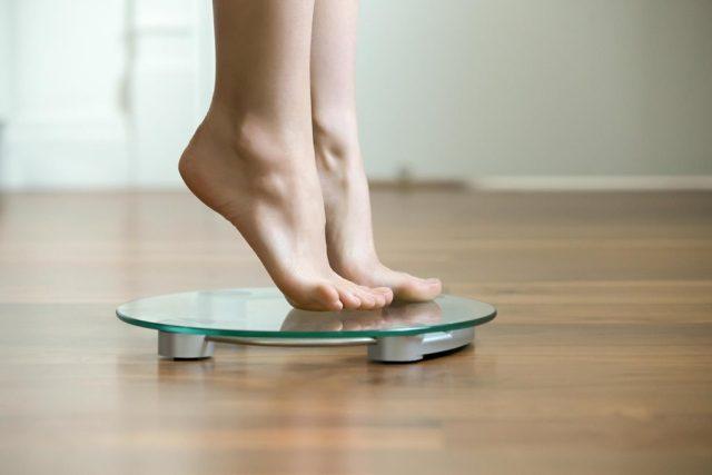 Žena na váze