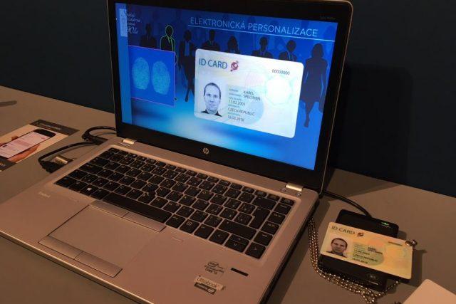 Pomocí čtečky a elektronického občanského průkazu bude možné komunikovat s úřady