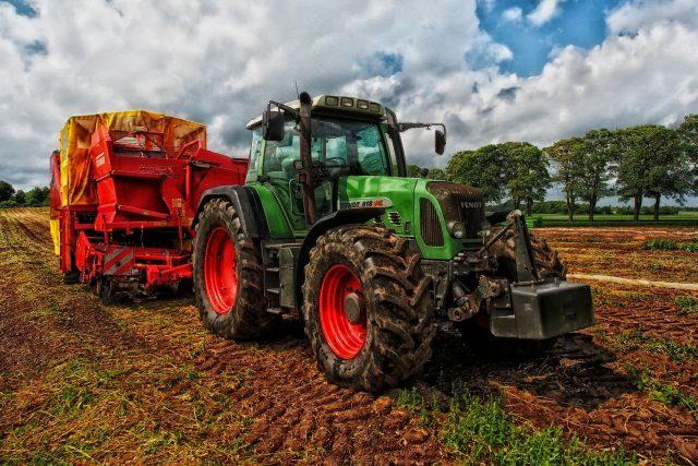 Intenzifikace zemědělství v posledním století umožnila nárůst lidské populace na dnešních sedm miliard a tato takzvaná zelená revoluce pořád pokračuje, říká David Storch.