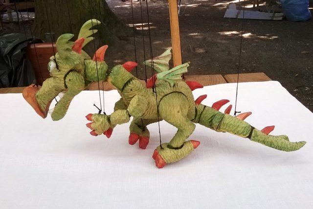 Vyřezat dobře pohyblivého draka, není jednoduché