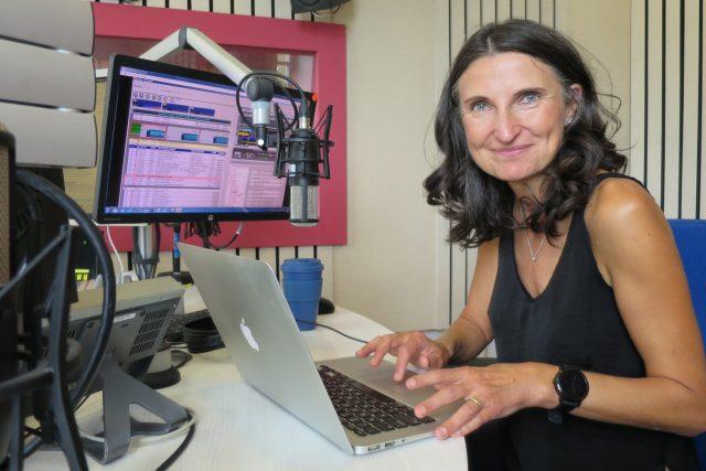 PharmDr. Margit Slimáková ve studiu Českého rozhlasu Hradec Králové