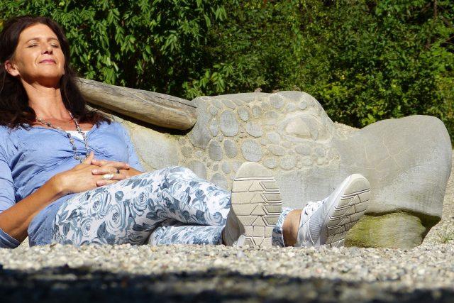 Pouze třetina žen pociťuje nástup menopauzy jen odezněním menstruace (ilustrační foto)