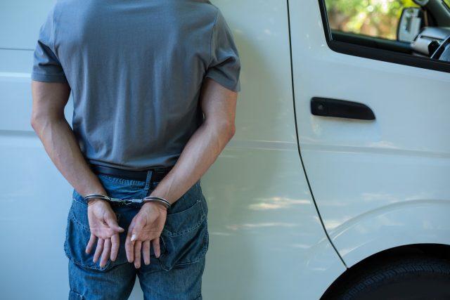 Vězeň,  pouta,  zatčení,  trestný čin. Ilustrační foto | foto: Fotobanka Profimedia