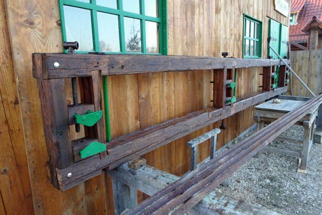 Skanzen v Krňovicích získal katr, pilu jednušku z 20. let minulého století