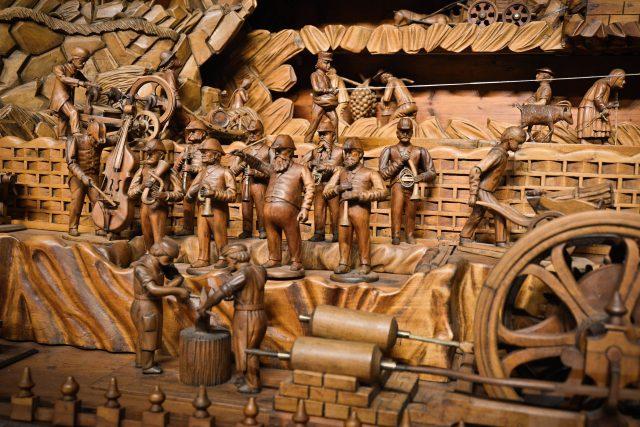 Proboštův betlém - detail   foto: Třebechovické muzeum betlémů