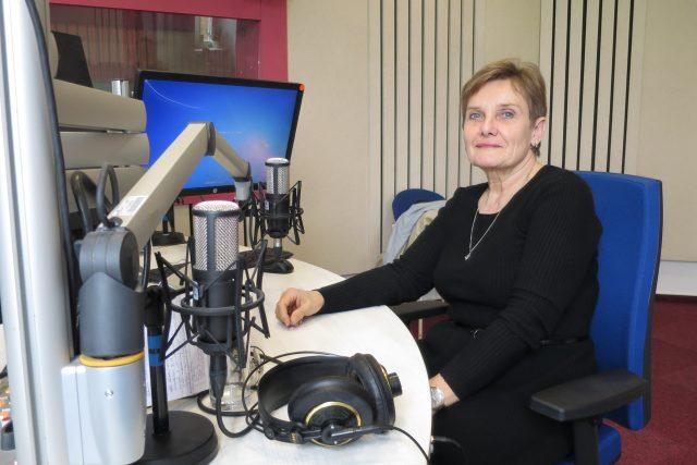 MUDr. Eva Hanková ve studiu Českého rozhlasu Hradec Králové