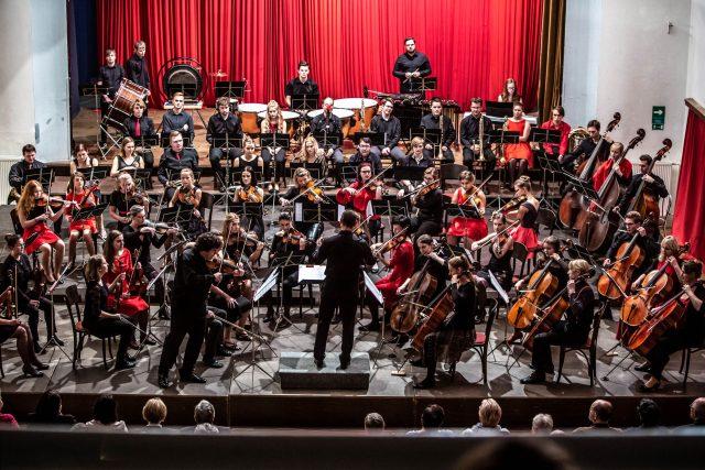 Novoměstská filharmonie slaví 60. narozeniny