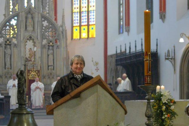 V katedrále Sv. Ducha v Hradci Králové - zpívané přímluvy | foto: Archiv Milady Fejtkové