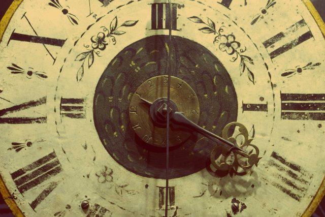 Staré hodiny (ilustrační snímek)