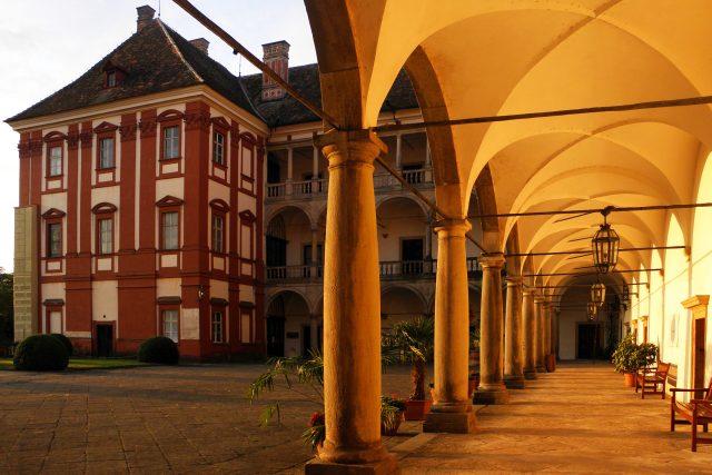 Opočno - arkády zámku