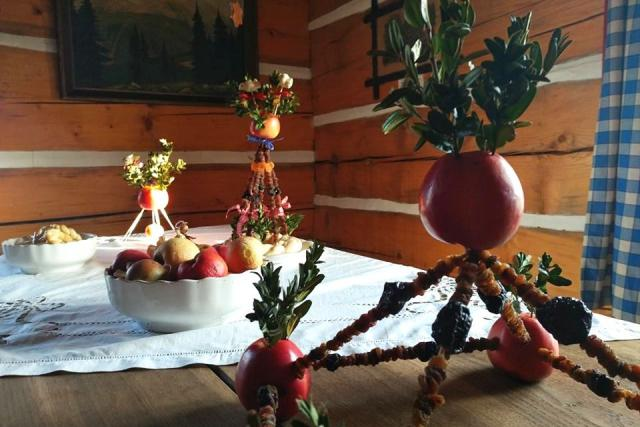 Vánočně vyzdobený Podorlický skanzen Krňovice