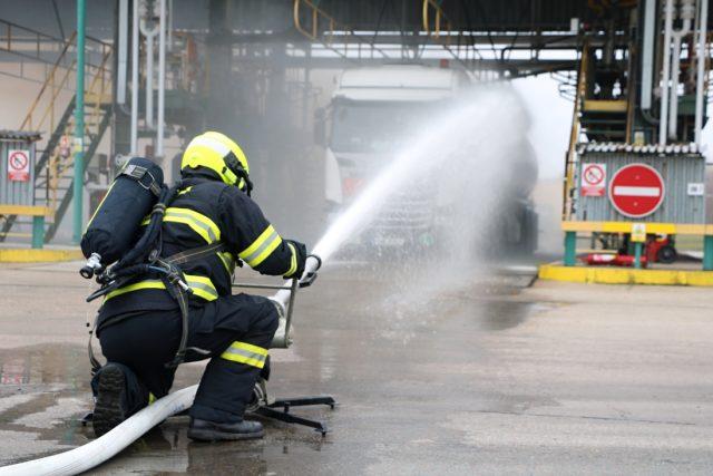 Taktické cvičení složek IZS se uskutečnilo v areálu ČEPRO, a.s. v Cerekvici nad Bystřicí