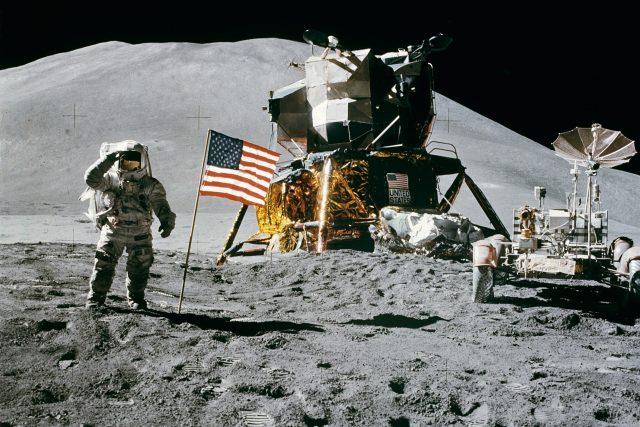 Neil Armstrong a modul Apolla 11