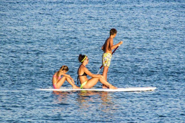 Paddleboarding zažívá v letošní letní sezóně opravdový rozkvět  (ilustrační foto)   foto: Fotobanka Pixabay
