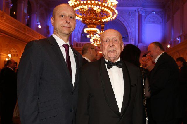 Jakub Zindulka s otcem Stanislavem Zindulkou při předávání cen Thálie