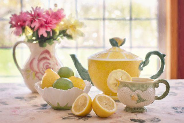 Při karnevalu virů nastává čas na čaj s citronem a medem (ilustrační foto)