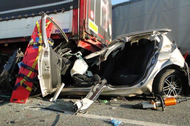 Hromadná nehoda uzavřela silnici z Hradce Králové na Chlumec nad Cidlinou