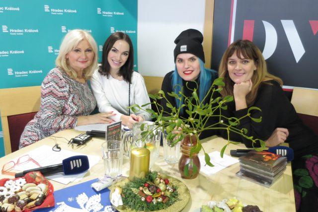 Lada Klokočníková a tři zpěvačky Kamila Nývltová, Eliška Buociková a Šárka Marková