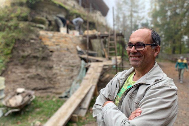 Jaroslav Balcar zastavil svůj dům, aby mohl opravit hrad patřící státu