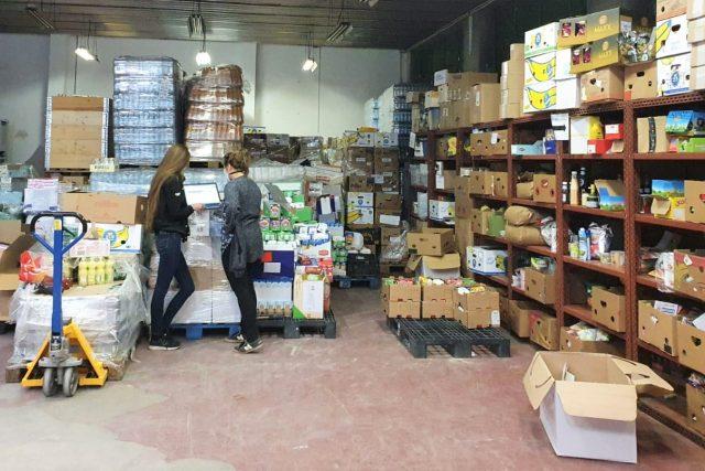 Potravinová banka funguje i po dobu nouzového stavu  (ilustrační foto) | foto: Anna Vrhelová,  Český rozhlas