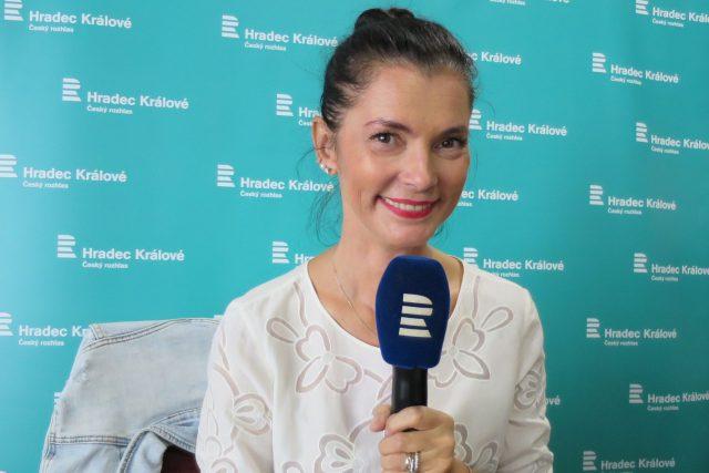 Vizážistka Lucía Gibodová Hrušková v rozhlasové kavárně | foto: Milan Baják,  Český rozhlas