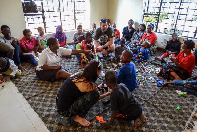 Do Tanzanie jel Matěj Břeský původně na dovolenou,  teď tam pomáhá | foto: Klára Břeská