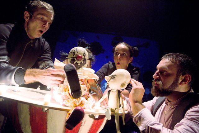 Mimoň - inscenace Divadla Drak