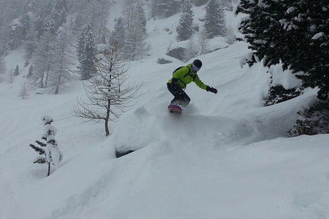 Bezohlední lyžaři a snowboardisté ruší klid krkonošské přírody (ilustrační foto)