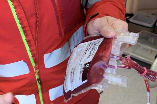Krev připravená k transfuzi na palubě záchranářského vrtulníku