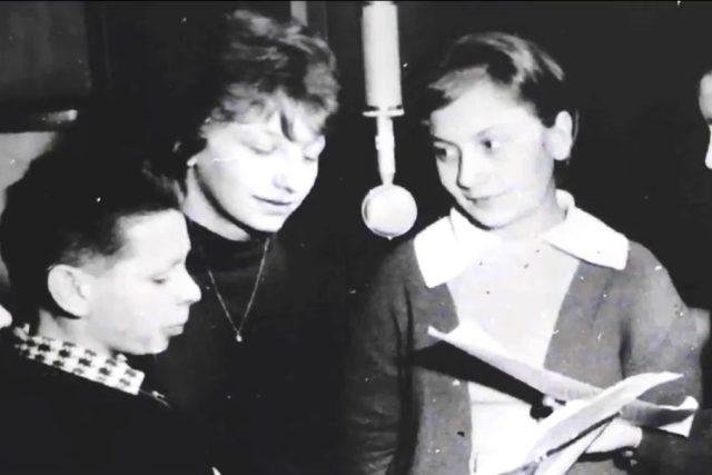 Rozhlasový kroužek - 60. léta 20. století   foto: Český rozhlas Hradec Králové