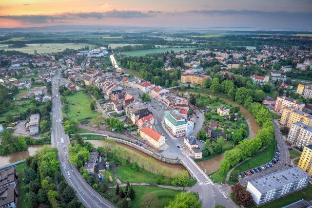 Město Jaroměř pěkně z nadhledu