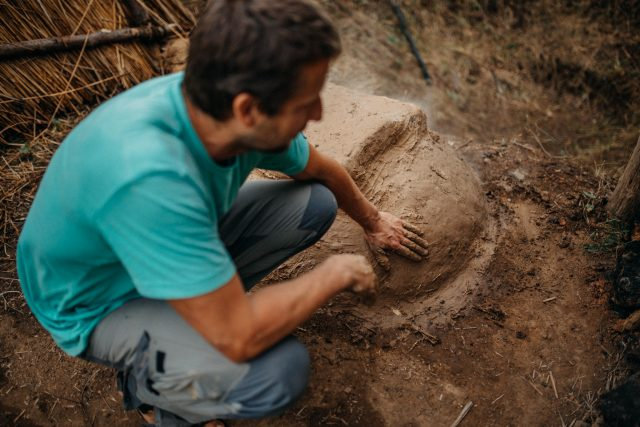 Richard Thér vnímá archeologii jako dobrodružnou cestu do minulosti za poznáním | foto: Jan Bartoň