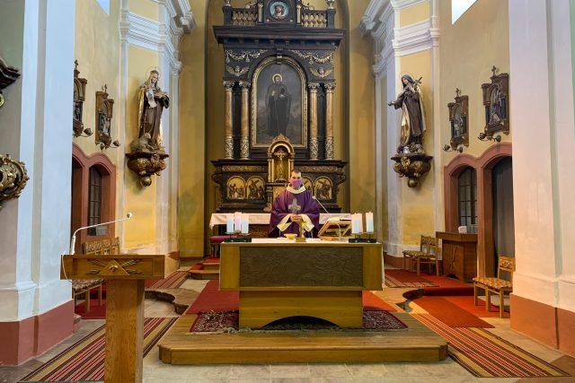 Mše římskokatolické farnosti Červený Kostelec jsou k dispozici na internetu