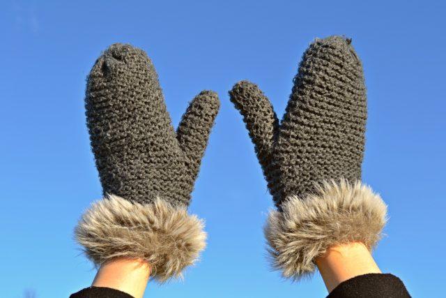 V zimě nás klouby bolí víc. Zahřejte si je a noste rukavice  (ilustrační foto) | foto: Fotobanka Pixabay