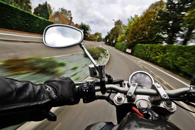 Rychlá jízda na motorce je opojná. Ale riskantní  (ilustrační foto)   foto: Fotobanka Pixabay