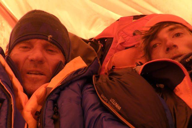 Horolezci Radek Groh a Marek Holeček při jejich dramatickém prvovýstupu na Baruntse | foto: archiv Radka Groha