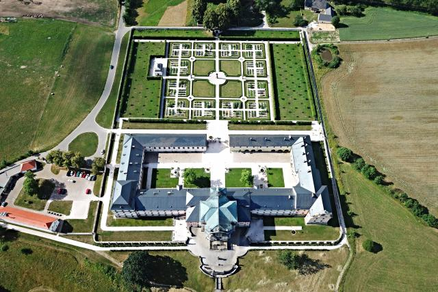 Barokní perka, areál hospitalu Kuks, z ptačí perspektivy