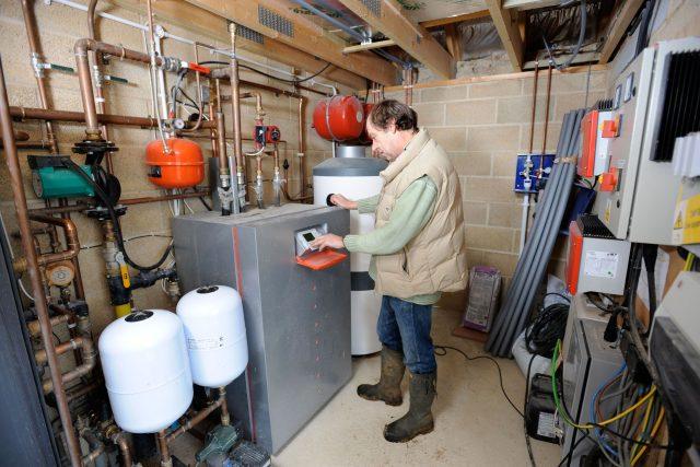 Ve Vrchlabí bylo instalováno v rámci energeticky úsporného projektu šest nových kotlů  (ilustrační foto) | foto: Fotobanka Profimedia