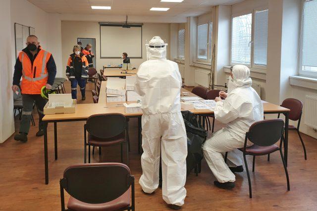 Povinné testování na koronavirus v ostravské huti Liberty
