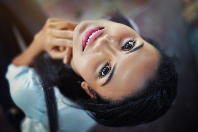 Krásný obličej na sebe strhává pozornost (ilustrační foto)
