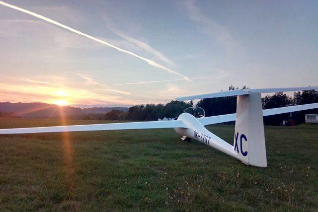Rekordman ve vlnovém létání David Mach startuje s východem a přistává se západem slunce