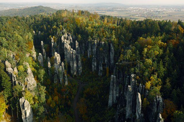 Letecký pohled na Prachovské skály