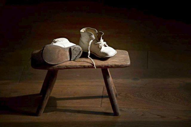 Děti vyrůstají ze svých bot a vyletí z hnízda (ilustrační foto)