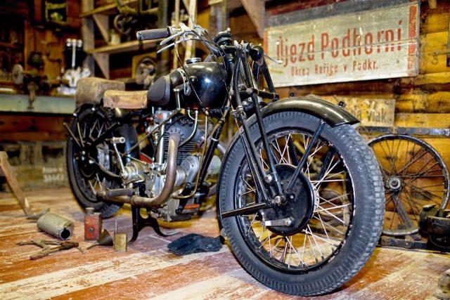 V Hořicích spatříte vývoj závodních motorek od roku 1902 do současnosti