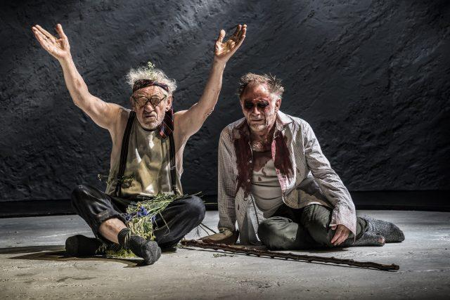 King Lear - Ian McKellen a Danny Webb | foto: Johan Persson