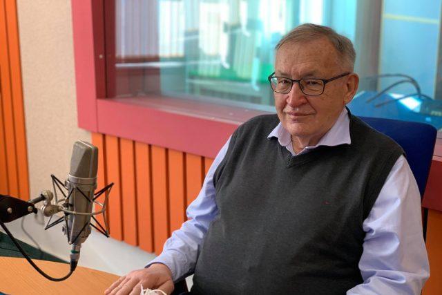 Jaroslav Malý ve studiu Českého rozhlasu Hradec Králové | foto: Jakub Schmidt,  Český rozhlas