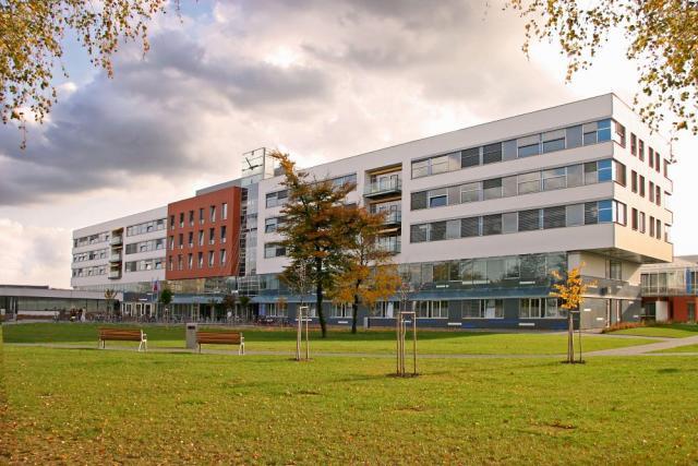 Fakultní nemocnice Hradec Králové je finančně nejzdravějším zdravotnickým zařízením mezi fakultními nemocnicemi | foto: archiv Fakultní nemocnice Hradec Králové