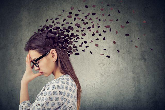 Parkinsonova choroba souvisí s úbytkem nervových buněk v mozku  (ilustrační foto) | foto: Profimedia