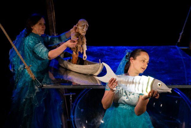 Klasickou pohádku O Zlaté rybce připravilo hradecké loutkové divadlo Drak