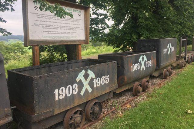 Unikátní terénní expozici důlních strojů najdete v Malých Svatoňovicích na Trutnovsku | foto: Jana Házová,  Český rozhlas